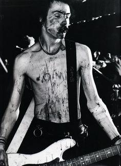 Sid Vicious   Sex Pistols uma das bandas que marcou a cultura punk, tanto a…