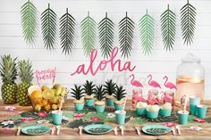 Create fresh, funny and colourful events with aloha collections! #aloha #party #partyideas #partydecor #alohacollection