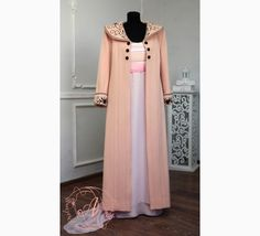 The Titanic coat movie made according to the original version, great for Titanic cosplay costume. Titanic Costume, Titanic Dress, Titanic Ii, Titanic Boat, Titanic Movie, Costume Shop, Costume Dress, Pop Clothing, Champagne Evening Dress
