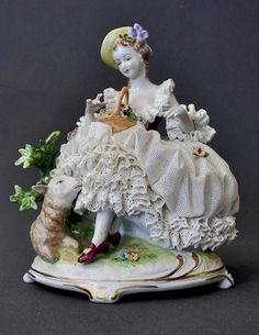 Unterweißbach Porcelain Manufactory (Thuringia, Germany) — Lady and sheep group. In the Dresden manner. H:17 cm  (579x750)