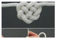 Nel video un semplice tutorial che spiega come si crea e come nasce un gioiello spiegando la tecnica di realizzazione del nodo scorsoio e del doppio nodo.