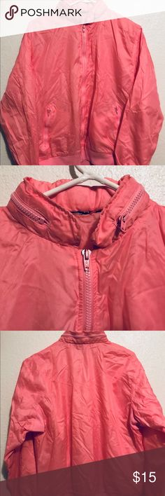 Women's Pink Windbreaker - No tag, women's medium - No signs of wear, in perfect condition - Has two zipper pockets as shown in the photo and a zipper around the neck also as shown in the photo - Super comfy Jackets & Coats