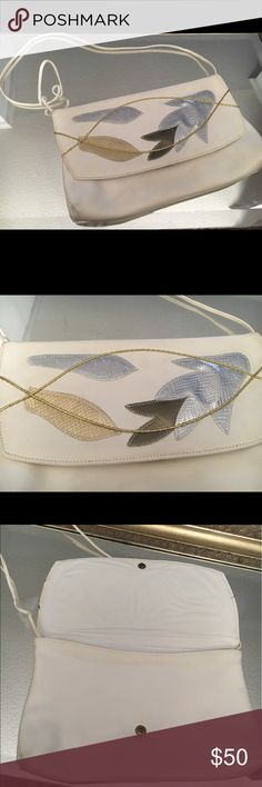 White classic handbag!🔱Vintage Authentic leather purse! Thin strap and stylish leaf design front! New and never used! vintage Bags Shoulder Bags