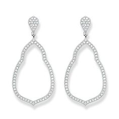 THOMAS SABO Fatima's Garden ear studs will bring brighten up your party look and illuminate your face thanks to the sparkly zirconia pave.