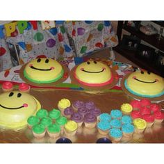 baby Einstein caterpillar cake and smash cakes I made for Peas 1st Birthday party! :)