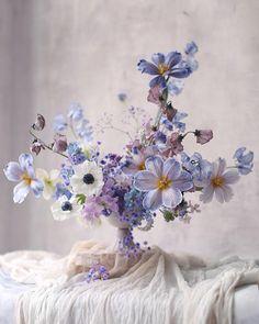 Floral Wedding, Wedding Bouquets, Wedding Flowers, Flower Centerpieces, Flower Decorations, Floral Artwork, Floral Arrangements, Summer Flower Arrangements, Beautiful Flower Arrangements