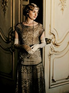 Lady Edith looking lovely