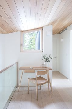 A Spacious, Light-Filled Mountain Retreat With Danish Influence and a Soft Colour Palette - Nordic Design Scandinavian Style, Scandinavian Office, Vancouver House, Built In Sofa, Luxury Office, Cabin Interiors, Nordic Design, Interiores Design, Interior Architecture