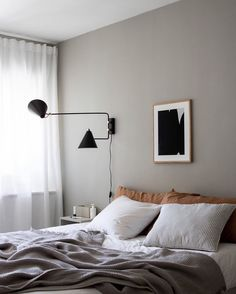 35 Amazingly Pretty Shabby Chic Bedroom Design and Decor Ideas - The Trending House Decor, Bed Decor, Interior, Gorgeous Bedrooms, Bedroom Interior, Home Decor, Romantic Bedroom Decor, Minimalist Bedroom, Interior Design