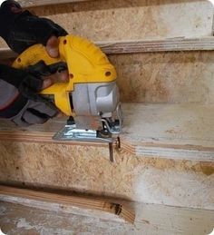 Install risers and treads on stairs..tips on cutting treads and risers to avoid gaps