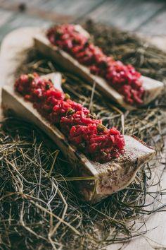 knife cut tartaar with bone marrow #dierendonck #carcasse #butcher