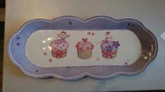 Plat à cake cadeau de naissance en points de croix par Olivia Guez