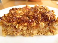 Jablkový koláč z ovsených vločiek a orechovou posýpkou