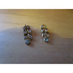 "New Listing Started vintage goldtone leaf earrings with turquoise stones 1""long in good condition £1.55"