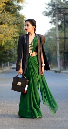 winter outfits blackgirl Winter outfits 2019 trendy cold outfits for teen girls . Winter Outfits For Teen Girls, Stylish Winter Outfits, Summer Outfits, Saree Wearing Styles, Saree Styles, Blouse Styles, Vintage Hipster, India Fashion, Boho Fashion