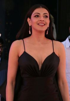 Tollywood Actress Kajal Agarwal Sexy Photos at Zee Golden Awards 2017 Red Carpet. She Wears Filipino Designer Mark Bumgarner's outfit and looking very sexy in this outfit. Bollywood Actress Hot Photos, Indian Actress Hot Pics, Indian Bollywood Actress, Actress Pics, Beautiful Bollywood Actress, Most Beautiful Indian Actress, Beautiful Actresses, Hot Actresses, Indian Actresses