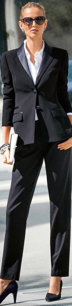 MADELEINE BLAZER AND TROUSERS BLACK
