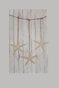 Starfish Wall hanging garland beach party by ilPiccoloGiardino Seaside Decor, Beach House Decor, Coastal Decor, Diy Home Decor, Beach Room, Beach Art, Hanging Garland, Beach Bathrooms, Pallet Art
