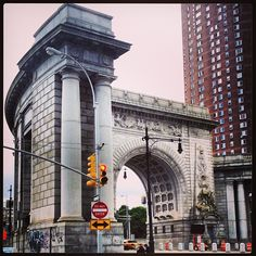 Manhattan Bridge arch.