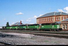 RailPictures.Net Photo: BN 7860 Burlington Northern Railroad EMD SD40-2 at Livingston, Montana by Dave Schauer