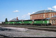 RailPictures.Net Photo: BN 7860 Burlington Northern Railroad EMD SD40-2 at Livingston, Montana by Dave Schauer