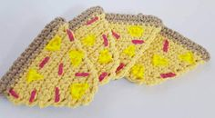Set of 4 pineapple pizza coasters with non-slip backs.  Care Instructions: Spot clean only.  If you would like a specific color, or variation that you dont see please send me an email before purchase.  Made in a dog-friendly home.  Each one is hand made with love so there might be slight variations. But I work very hard to ensure consistency.