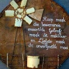 Hoop geloof en liefde is ons wense vir julle op hierdie spesiale dag. Ons is baie lief vir julle en baie dankie vir al julle liefde en omgee. Prayer Box, Prayer Verses, Afrikaanse Quotes, Pallet Art, Pallet Signs, God Is Good, Wall Quotes, Word Art, Qoutes
