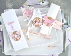 Place Cards, Place Card Holders, Blog, Pink, Paper, First Communion, Diy Presents, Homemade Cosmetics, Thanks Card