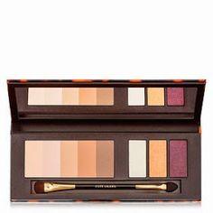 ROMANTIC STYLING : The Nudes Eyeshadow Palette von ESTÈE LAUDER