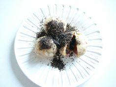 Ovocne knedliky dumplings Czech Food, Czech Recipes, Breads, German, Foods, Desserts, Bread Rolls, Deutsch, Food Food