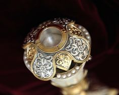 Silver Reliquary with gold decoration and pearls. Byzantine Art, Utensils, Wedding Rings, Brooch, Base, Pearls, Decoration, Silver, Gold