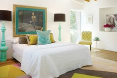 like the aqua and yellow accents
