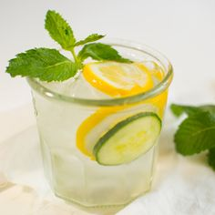 Lifestyle Tips for all: Mint and citrus home remedy drink that works for bloating