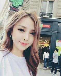 Pony Makeup uploaded by Pony Syndrome on We Heart It Korean Makeup Tips, Asian Makeup, Korean Beauty, Asian Beauty, Beauty Makeup, Hair Makeup, Hair Beauty, Bridal Makeup, Wedding Makeup