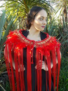 Polynesian People, Polynesian Dance, Maori Patterns, Flax Weaving, Maori People, Maori Designs, Art School, Red Gold, New Zealand