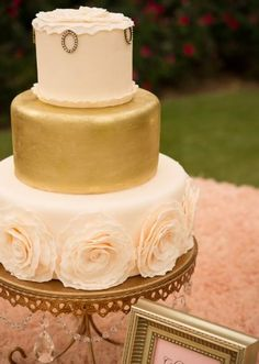Gold and rose blush wedding cake