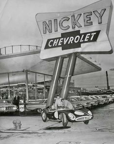 1959 Chevys on the lot Nickey Chevrolet: note that the dealership gave S Green Stamps! How many wall clocks could you get for a new Impala? New Impala, Chevrolet Impala 1959, Chevrolet Dealership, Nhra Drag Racing, Chevy Muscle Cars, Us Cars, Vintage Cars, Weird Vintage, Vintage Auto
