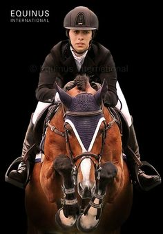 Brown is in.KEP helmet in brown and Albanese Jacket Polo Horse, Horse Gear, Horse Tack, Equestrian Outfits, Equestrian Style, Equestrian Fashion, Horse Riding Boots, Horseback Riding Lessons, Horse Love