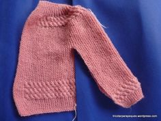 p1090879 Baby Knitting Patterns, Knitting For Kids, Baby Cardigan, Baby Sweaters, Baby Wearing, Free Pattern, Knit Crochet, Pullover, Color Rosa