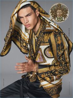 The handsome Noah Luis Brown joins the supermodels such as Naomi Campbel and Gisele Bundchen for the latest VERSACE Spring Summer 2018 campaign shot by Steven Meisel. Versace Miami, Versace Men, Gianni Versace, Versace Watches, Versace Fashion, Brand Name Clothing, Skinny Guys, Man Photo, Italian Fashion