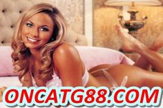 Stacy Keibler is still fondly remembered by WWE fans, despite having left the company a decade ago. Famous for her trademark long legs and unique ring entrance, Stacy failed to capture a Championsh Female Wrestlers, Female Athletes, American Athletes, Wwe Divas, Stacey Keibler, Star Wars, Wrestling Divas, Wwe Womens, Bikinis