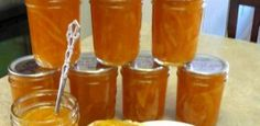 How to Make and Can Old Fashioned Marmalade - Traditional orange marmalade is fairly easy to make, citrus flavor any time of year. Jelly Recipes, Jam Recipes, Canning Recipes, Chutneys, Canned Food Storage, Jam And Jelly, Comida Latina, Sauces, Stevia