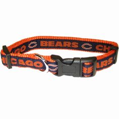 This officially licensed NFL Chicago Bears ribbon dog collar is made of nylon with team name and logo on the sewn-on contrasting ribbon. This collar has a silver metal D ring and black clip hardware.