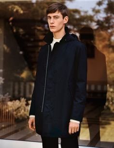 See Pictures of UNIQLO and Lemaire Fall/Winter 2015 Menswear Collection Christophe Lemaire, Uniqlo, Fishtail Parka, Fashion News, Mens Fashion, New Politics, Fall Winter 2015, Autumn, Clothes Horse