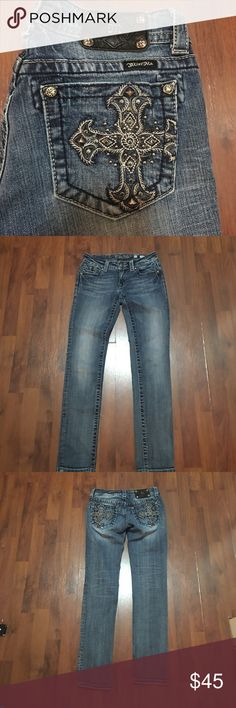 """Miss Me Skinny Jeans Size 27 Like New - maybe worn once if at all - Size 27. Waist measures 27"""" and Inseam is 30"""". Miss Me Jeans Skinny"""