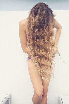 wavy hair Hair Gorgeous long hair This makes me want my long hair. My Hairstyle, Messy Hairstyles, Pretty Hairstyles, Love Hair, Gorgeous Hair, Long Curly Hair, Curly Hair Styles, Mermaid Hair, Mermaid Waves