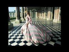 Annie Leibovitz shoots Marie Antoinette