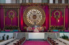 Reception Stage Decor, Wedding Stage Backdrop, Wedding Stage Design, Stage Backdrop Design, Desi Wedding Decor, Indian Wedding Decorations, Wedding Entrance Decoration, Engagement Decorations, Indian Wedding Flowers