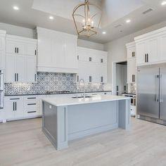 Stunning white kitchen cabinet decor for 2020 design ideas 25 Home Decor Kitchen, Interior Design Kitchen, Diy Kitchen, Kitchen Modern, Modern Kitchen White Cabinets, Kitchen Grey, Soapstone Kitchen, Gray And White Kitchen, White Kitchen Designs