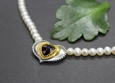 Pearl Necklace, Brooch, Pearls, Jewelry, Fashion, String Of Pearls, Pearl Jewelry, Rhinestones, Heart